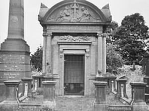 undercliffe cemetery monuments