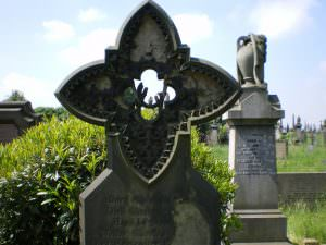 undercliffe cemetery monument